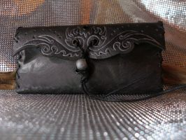 Triball III tobacco pouch by morgenland