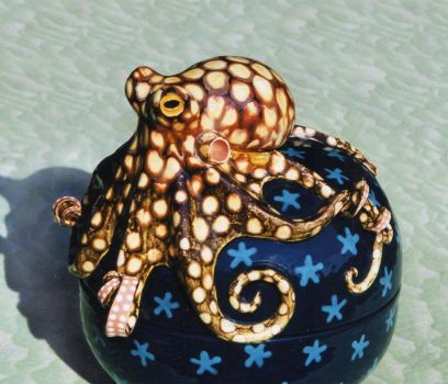 Octopus Pot by Hippopottermiss