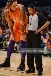 Tall Basketball player tiny referee by lowerrider