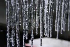 icicles 2 by Palonaristin