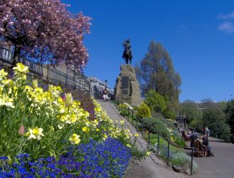 EDINBURGH Princes Street Gardens by tom1garry
