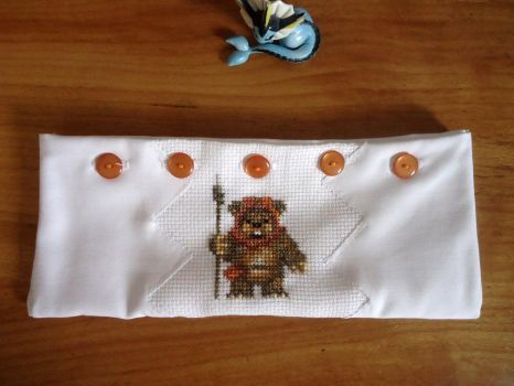 Cross stitch Ewok pencil case by Miloceane