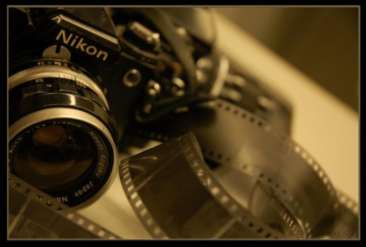 Nikon by Oct-Anaoon