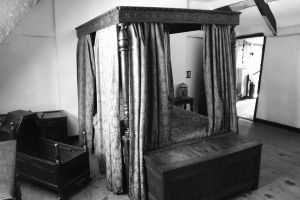 Four Poster Bed by witchfinder-stock