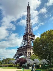Late Spring around the Eiffel Tower by Foldo