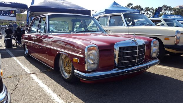 Mercedes-Benz W115 Old School Slammed   by granturismomh