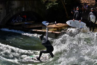 Eisbach Surfer by TheCathArt