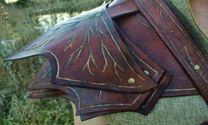 Copsewatch Druid Armor Detail: Right shoulder by BlueOakRogue