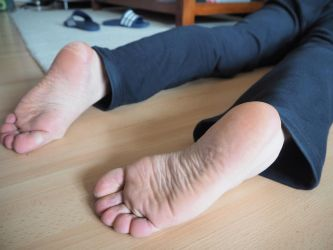 Cold dead feet 05 by mrsection