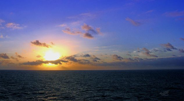 Sunset on the Atlantic Ocean 3 by WALLYLOPEZ