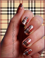 burberry nails by Tartofraises