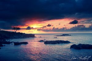 Sunset in Hawaii II by IsacGoulart