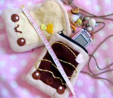 Size-Pouches by kickass-peanut