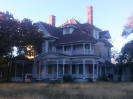 abandoned house by VinceAndrews