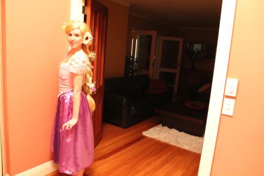 Rapunzel Cosplay by rose-colligan