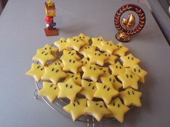 Edible Super Mario stars by Minakosplay