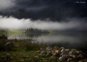 Fogging winds through the valley. by Phototubby