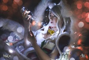 Ahri Christmas Cosplay by Bahamut95