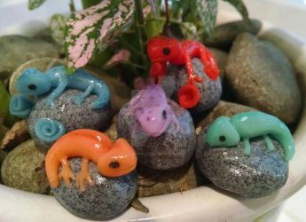 Little Geckos  by PaigeTheCraftie