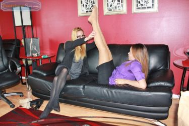Olivia Meets a MILF by PantyhoseClass