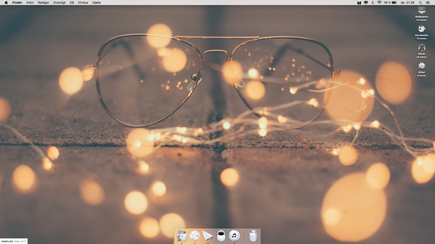 Light desktop by alex8908
