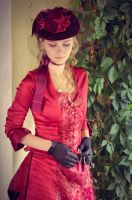 Dark-red victorian dress by Aquilina-das