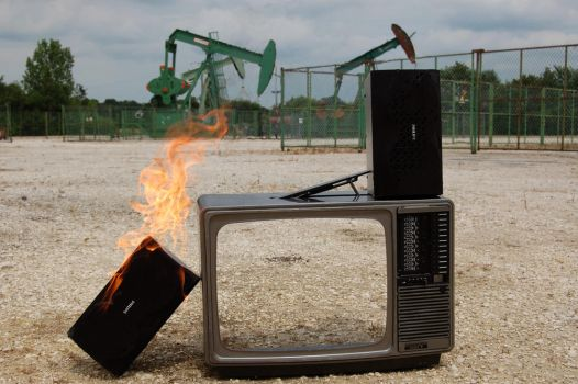 Television is Good for U Too by Hashaldjin