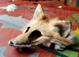 Red Fox Mask With Teeth by lupagreenwolf