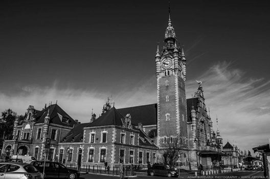 Gdansk Main Station BW by parsek76