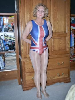 Molly dons the Union Jack by MollyFootman