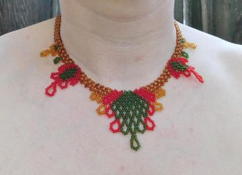 Fall Leaves Netted Necklace by FeynaSkydancer
