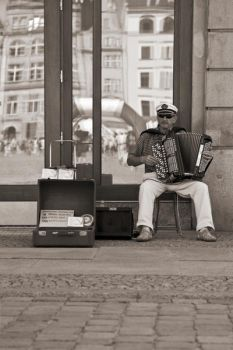 Street Performance by MateuszMis