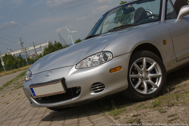Mazda MX-5 (little bit of 90s flair) by RedMax88