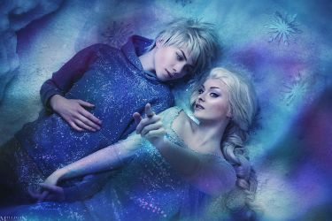 Jack and Elsa - The sky is awake by MilliganVick