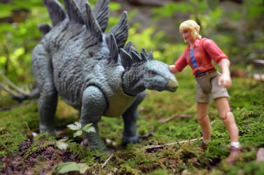 Ellie and the Stegosaurus by CrazyAsylumClown