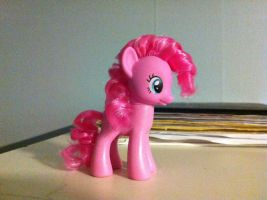 STYLED PINKIE OH YEAH by Sarumi-chan