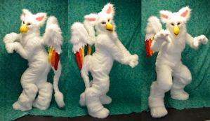 Albi the Rainbow Gryphon by temperance