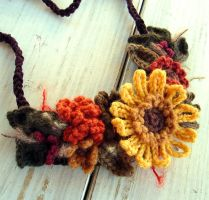 Crochet Sunflower Necklace by meekssandygirl