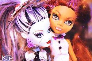 Franky and clawdeen by KhaosTheory455