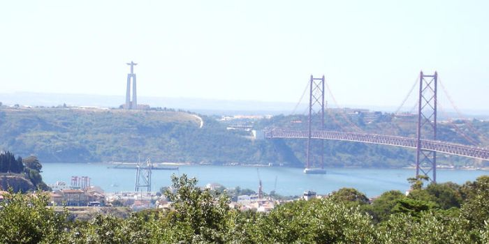 Lisbon by CrowsShadow