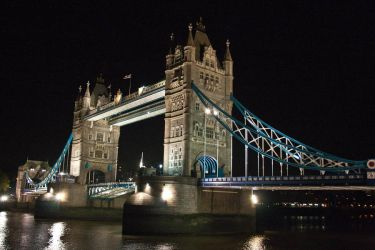 tower bridge by drouch