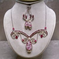 Raspberry Parfait Wire Wrapped Necklace Set by WillowWalkerDesigns
