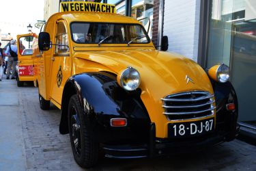 Oldtimer day 2014 - Dutch on-the-road car-service by CheeseBurgerDeluxe