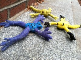Poison Dart Frog toys by Maresy