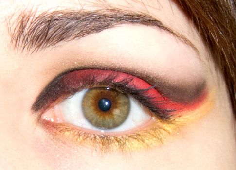Black - Red -Gold - Eye Makeup by soffl