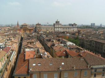 Roofs of Modena by DamaInNero