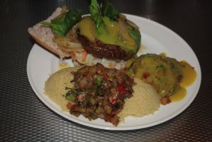 Hamburger and couscous with curry-sauce wok by FiXato