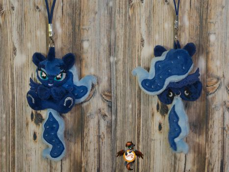 Princess Luna keychain trinket by Essorille