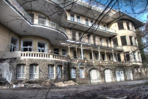 Lost Sanatorium by CrawlingGirl