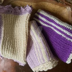 Washcloths in puple and white